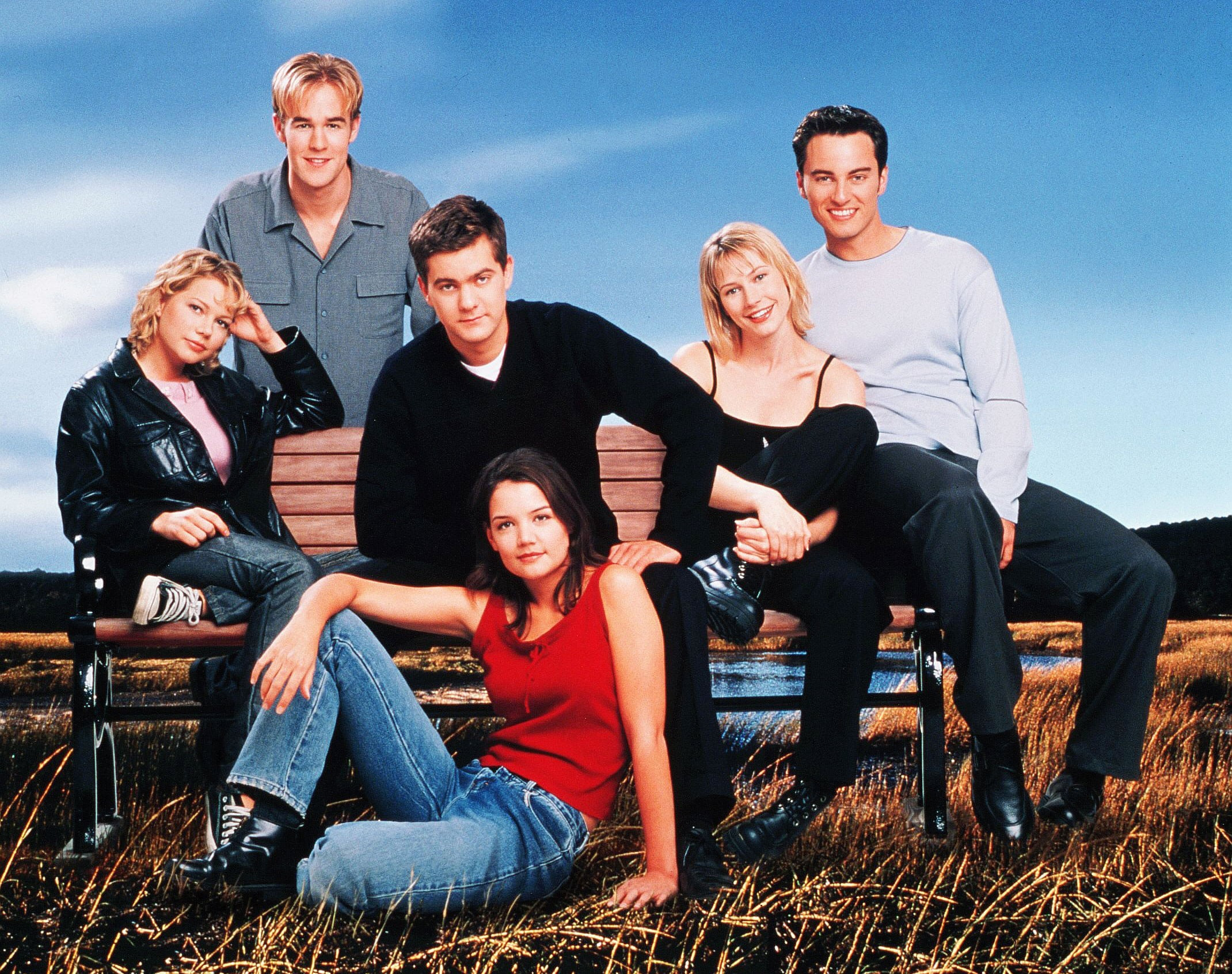 Michelle Williams James Van Der Beek Joshua Jackson Meredith Monroe Kerr Smith and Katie Holmes in Dawsons Creek