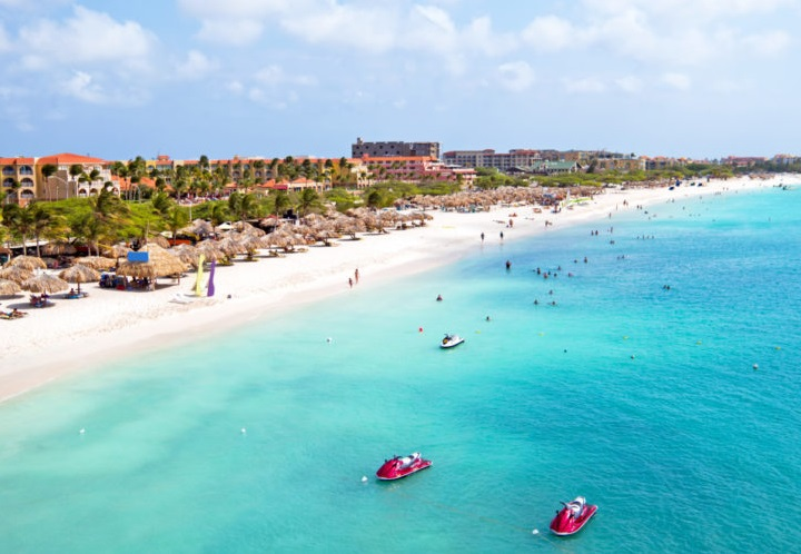 Americans Can Now Live And Work In Aruba For Up To 90 Days