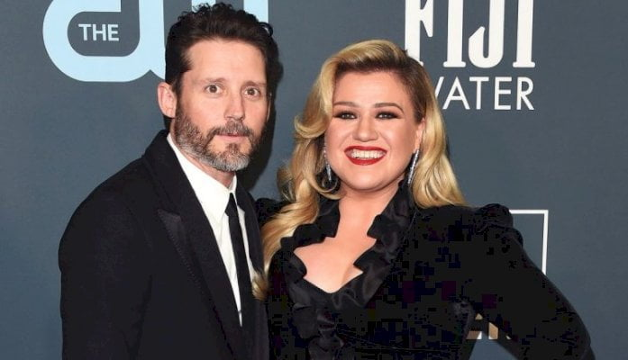 Kelly Clarkson My Life Has Been a 'Dumpster' Amid Divorce From Brandon