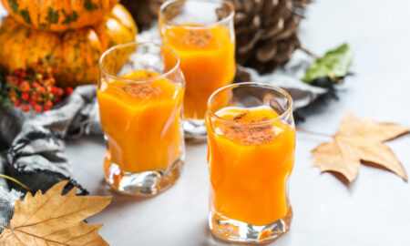 Keto Pumpkin Spice Cocktail Is Bursting With Fall Flavor