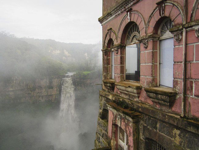 haunted-hotel-colombia-2