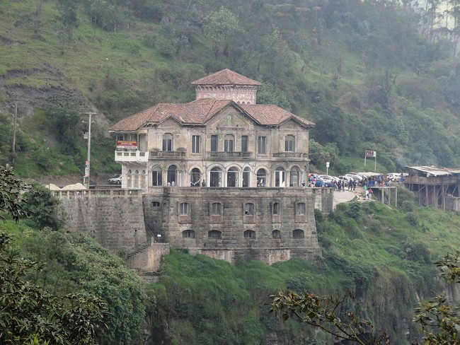 haunted-hotel-colombia-3