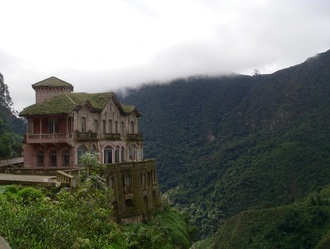 haunted-hotel-colombia-6
